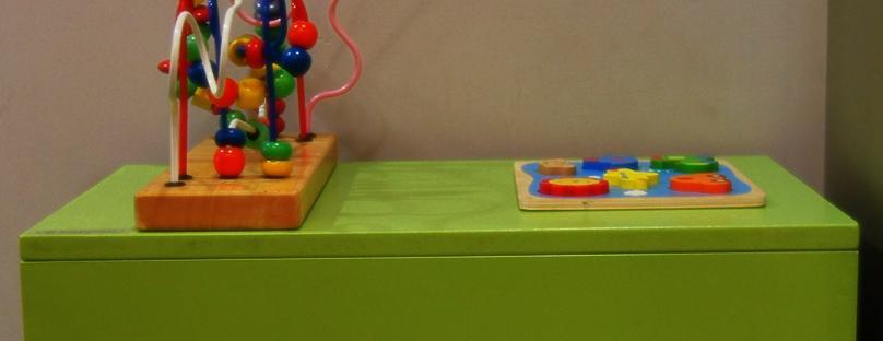 de speelgoedkoffer